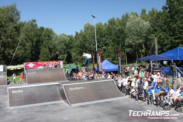 Jastrzebie zdroj bike contest 2010 skateparks building for Pool design company radom polen