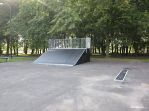 Bank ramp and bench 1