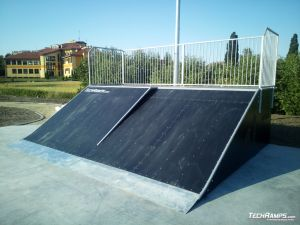 Bank ramp + bank wall