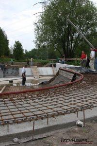 Betonowy skatepark w Radzionkowie - prace budowlane