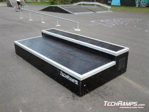Blachownia skatepark grinbox 1