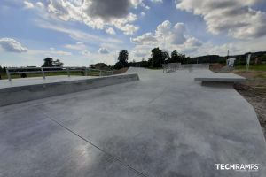 Bobowa monolitický skatepark