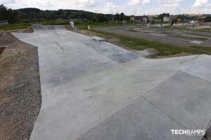 Bobowa monolitisk skatepark
