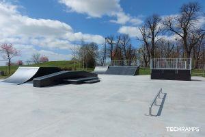 Dřevěný skatepark