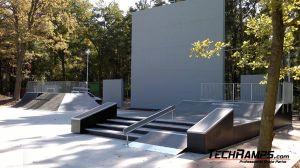Dąbrowa górnicza Skatepark Funbox z grindboxem