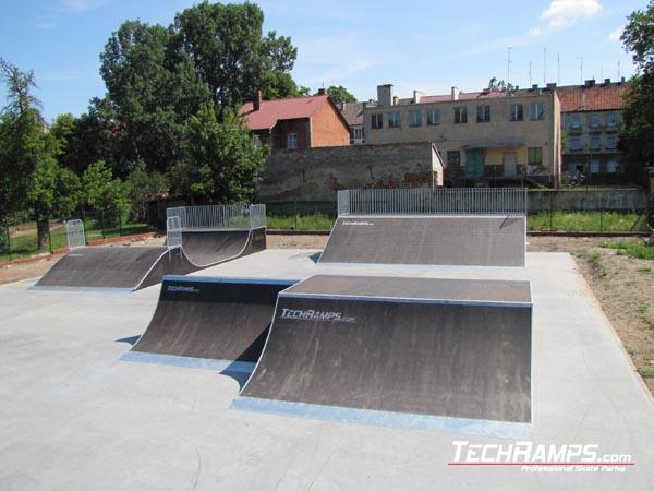 Скейтпарк вDebno