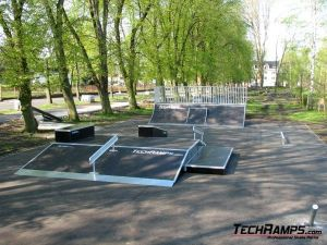 Funbox na skateparku w Bierutowie