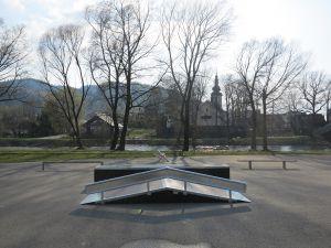 Funbox w skateparku nad Dunajcem