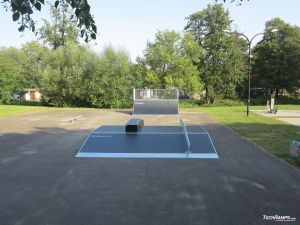 Funbox with rail and grindbox and quarter pipe