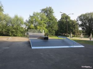 Funbox with rail and grindbox and quarter pipe Grodków