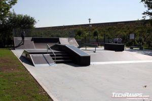 Funbox z grindboxem Skatepark w Zgorzelcu