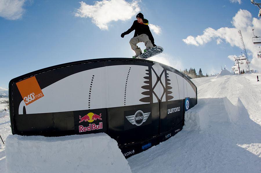 Rainbow Rail Oscyp Snowboard Contest