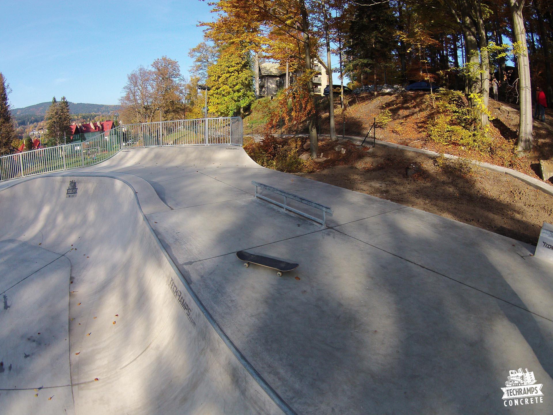 betonowy skatepark Szklarska Poręba