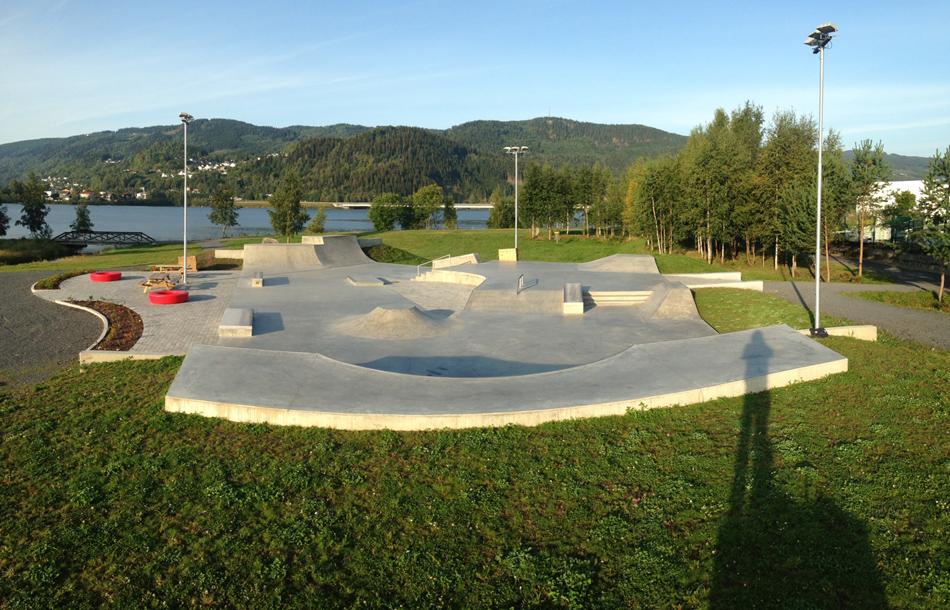 Betonowy skatepark - Lillehammer