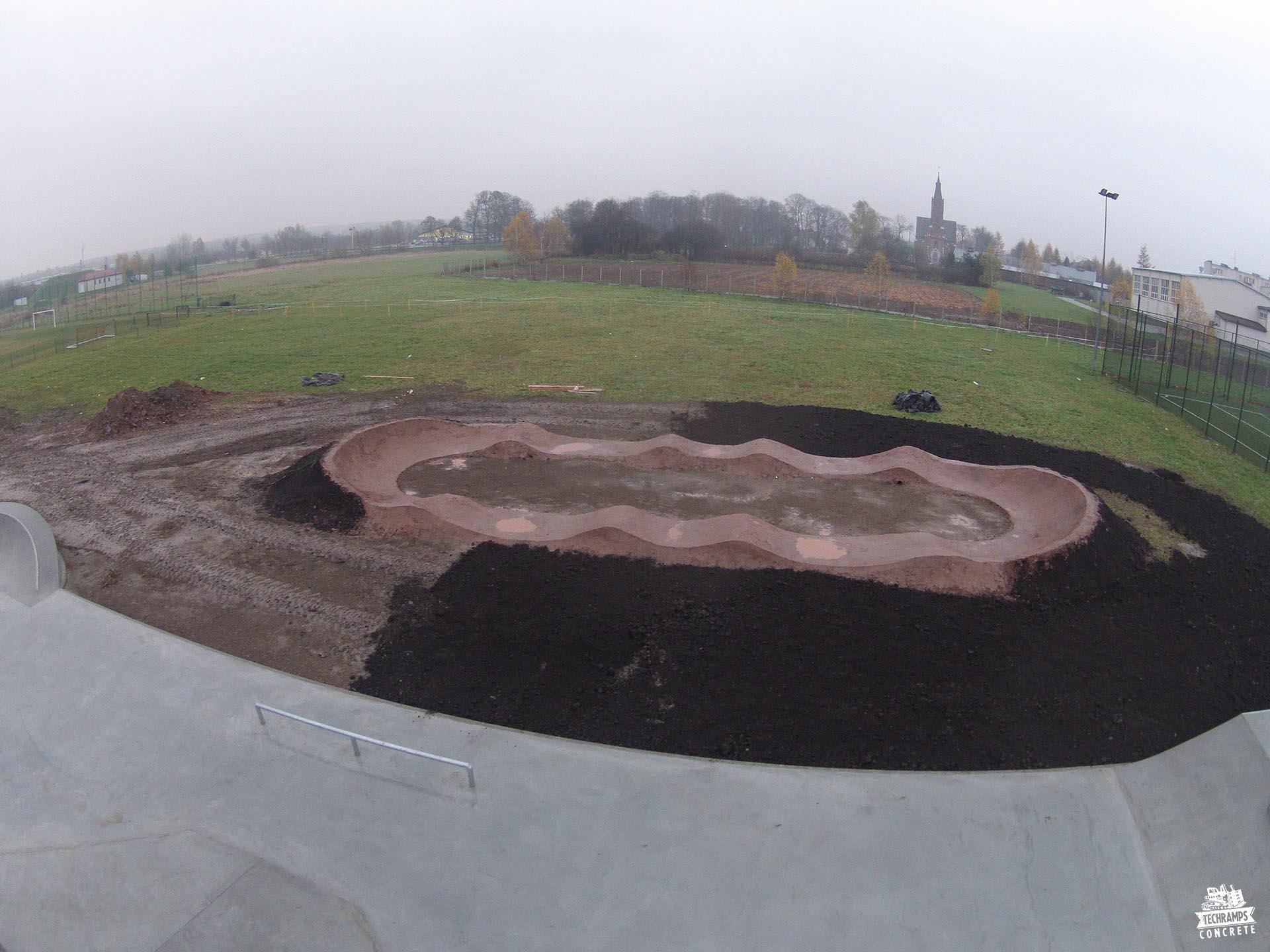 betonowy skatepark w Niemcach