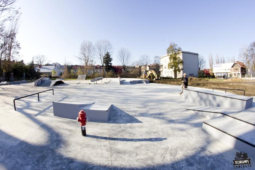 Concrete skate park - Tarnow Techramps