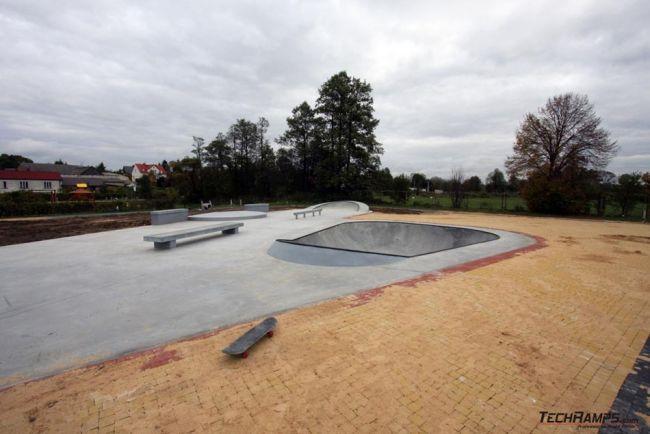 Mini betonowy skatepark w Turośni Kościelnej