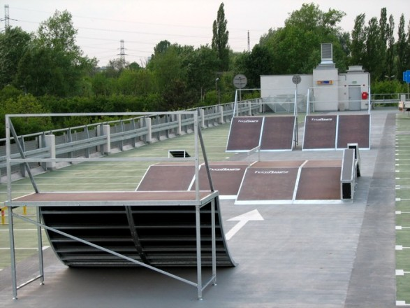 Mobile skatepark to lend