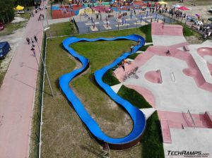Modułowy pumptrack przy skateparku w Sławnie