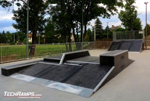 Opatów, drewniany skatepark