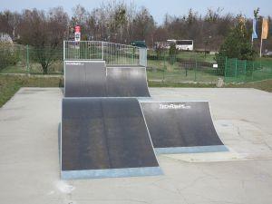 Quarter Pipe i Funbox w skateparku w Tarnowskich Górach