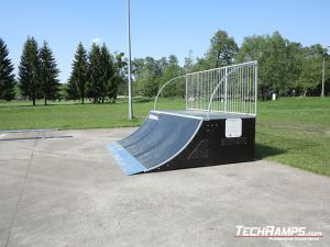 Quarter pipe na skateparku w Witnicy