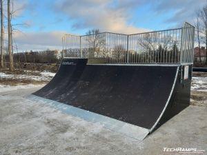 Quarter Pipe w skateparku w Warszawie Bemowo