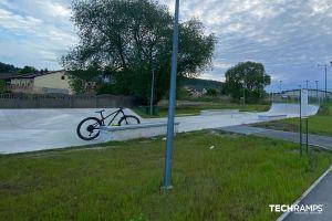 Skatepark de hormigón Chęciny