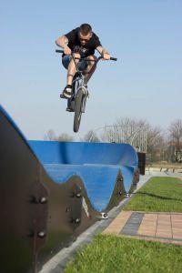 Skatepark i pumptrack w Mierzęcicach