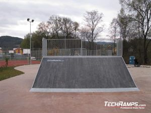 Skatepark Krynica Zdrój Bank ramp