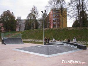 Skatepark Krynica Zdrój Funbox piramida