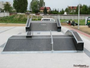 Skatepark w Bieruniu funbox 2