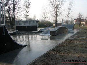 Skatepark w Brzeszczach - 15