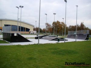 Skatepark w Dźwirzynie - 10