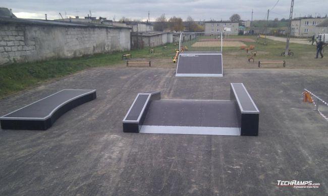 Skatepark w Grzebsku