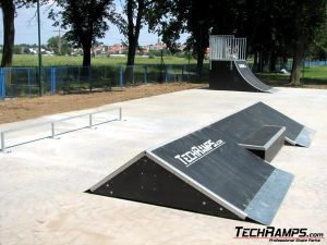 Skatepark w Jaworze - grindbox - 11