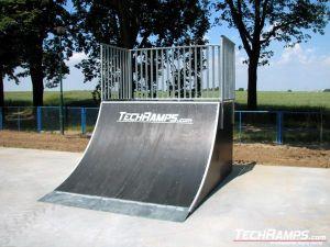 Skatepark w Jaworze - quarter - 6