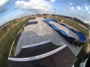 Skatepark w Mierzęcicach