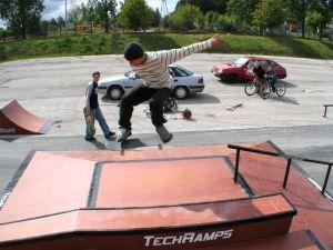 Skatepark w Nowinach 8