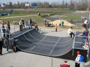 Skatepark w Ostrowie Wielkopolskim 18