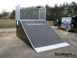 Skatepark w Pile - Bank ramp