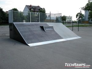 Skatepark w Przasnyszu bankramp