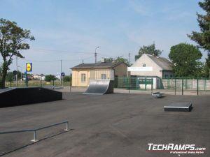 Skatepark w Przasnyszu ławka