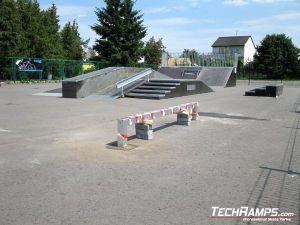 Skatepark w Przasnyszu porecz i grindbox