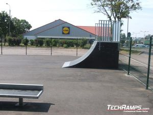 Skatepark w Przasnyszu quarter pipe