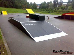 Skatepark w Rabce-Zdrój - funbox z grindboxem - 1