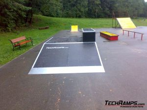 Skatepark w Rabce-Zdrój - funbox z grindboxem - 2