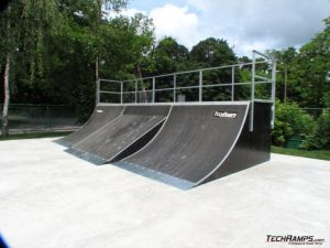 Skatepark w Skwierzynie quoter z bankiem