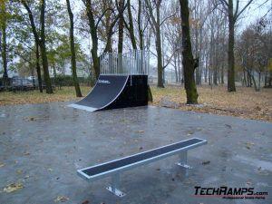 Skatepark w Tarnowie Podgórnym - 4