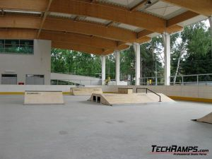 Skatepark w Warszawie, w dzielnicy Wawer - 2